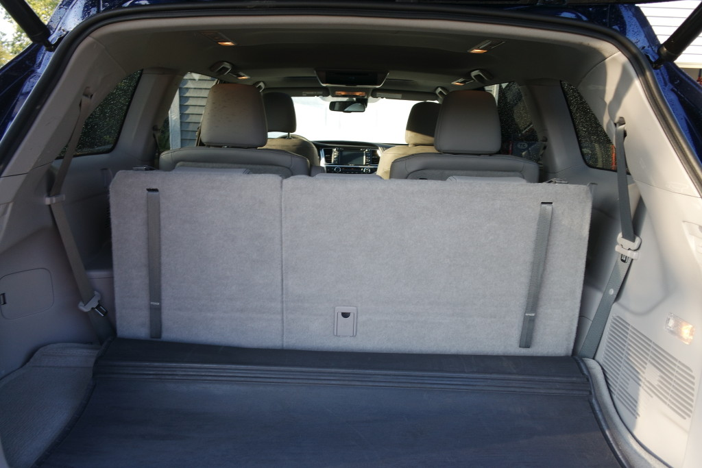the 2016 toyota highlander gives you comfort room dad. Black Bedroom Furniture Sets. Home Design Ideas