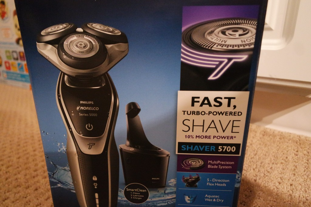 The Norelco 5700 Shaver Gives You a Clean Close Shave