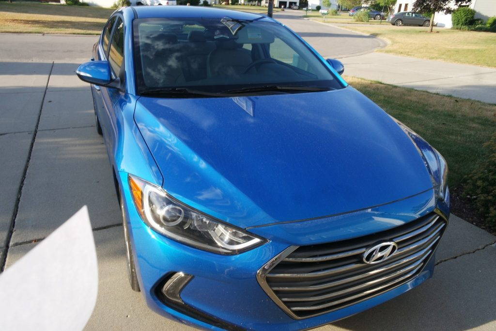 2017 Hyundai Elantra Limited Offers Style and Great Gas Mileage