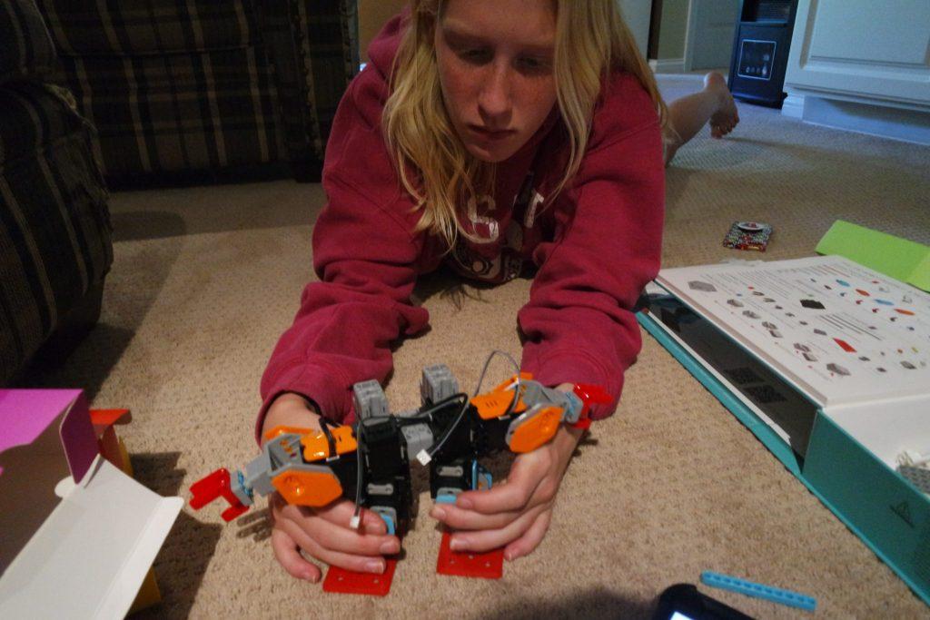 Ubtech Jimu Buzzbot and Muttbot Kit Promotes STEM Learning