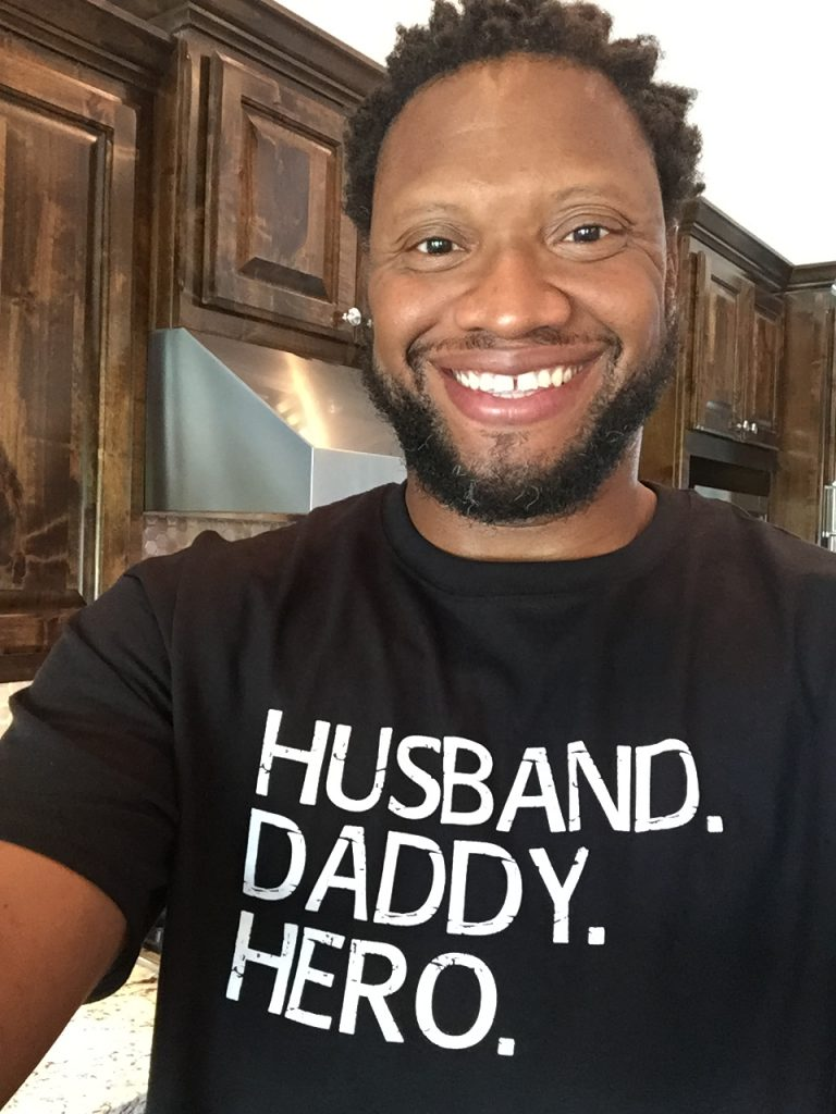 Jonathan Oliver is the 859th Dad to be spotlighted in the Dads in the Limelight Series. Come and learn from this great dad!