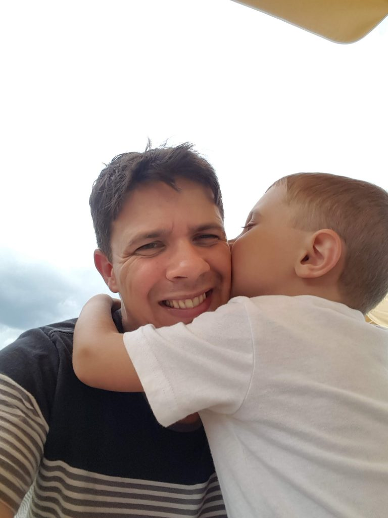 Jason Hoover of Pixel Parenting is the 864th dad to be spotlighted in the Dads in the Limelight Series. Come and learn from this great dad!