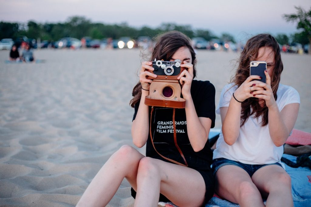 Ensuring Kids Use Social Media in a Healthy Way